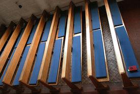Sitzbänke in der St.-Marien-Kapelle Schönberg